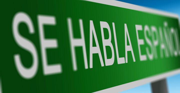 se habla español sign